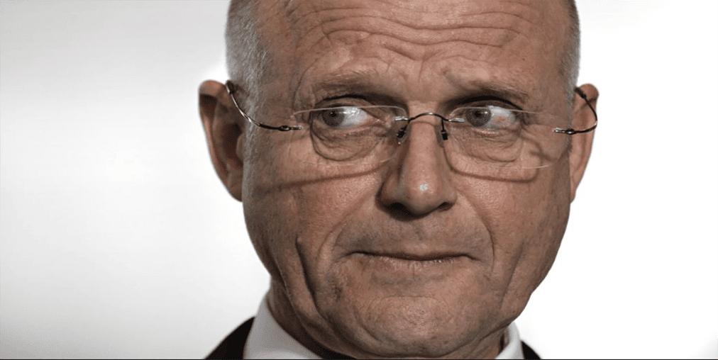 Australian Senator supports online poker