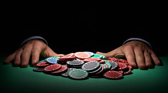 Baccarat Side Betting
